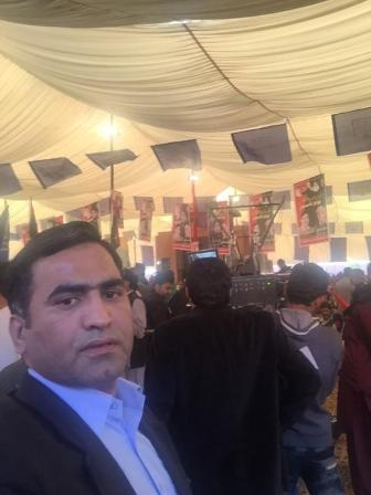 @drkhanns #PPPFoundationDay Jiyalas coming&longest queue waiting at BH Gate Crowd is swelling rapidly @BBhuttoZardari @AseefaBZ2