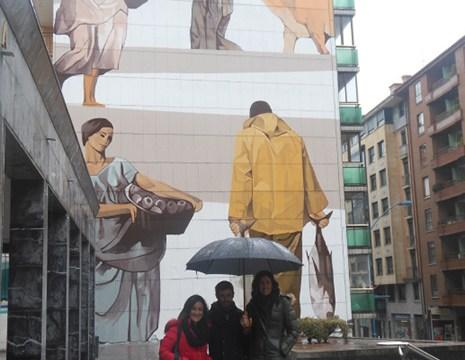 """Bermeok murala margotu du """"azoka biziberritzeko eta herria edertzeko"""""""
