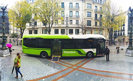 Bizkaibus estrena dos nuevas líneas a la UPV
