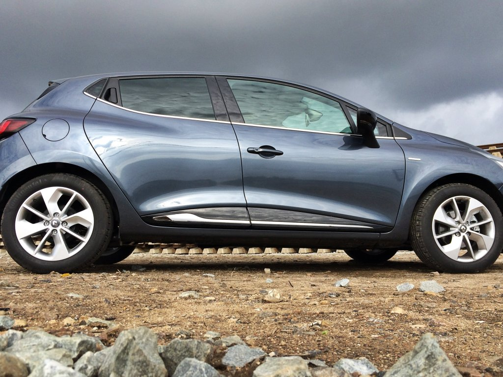 New Renault Clio Side
