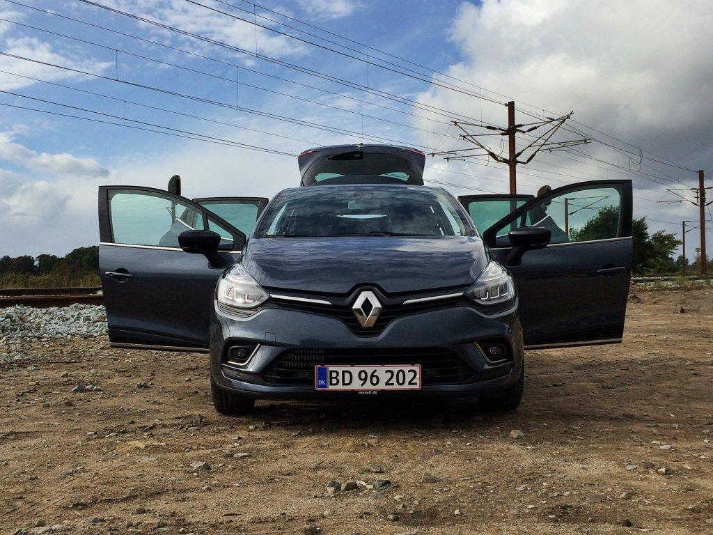 New Renault Clio Front Open Doors
