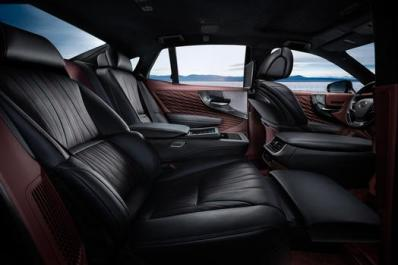 Lexus LS 500 2018 Back Seat