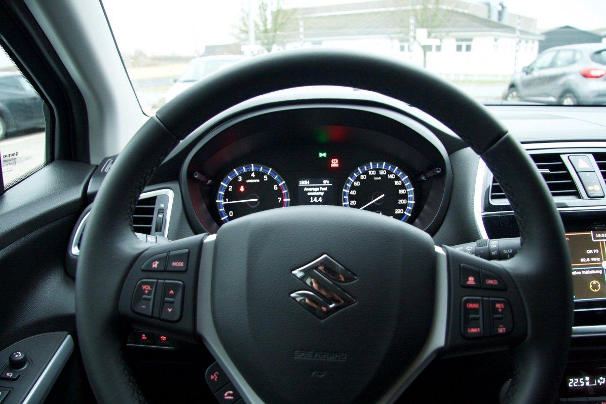 Suzuki S-Cross Interiør