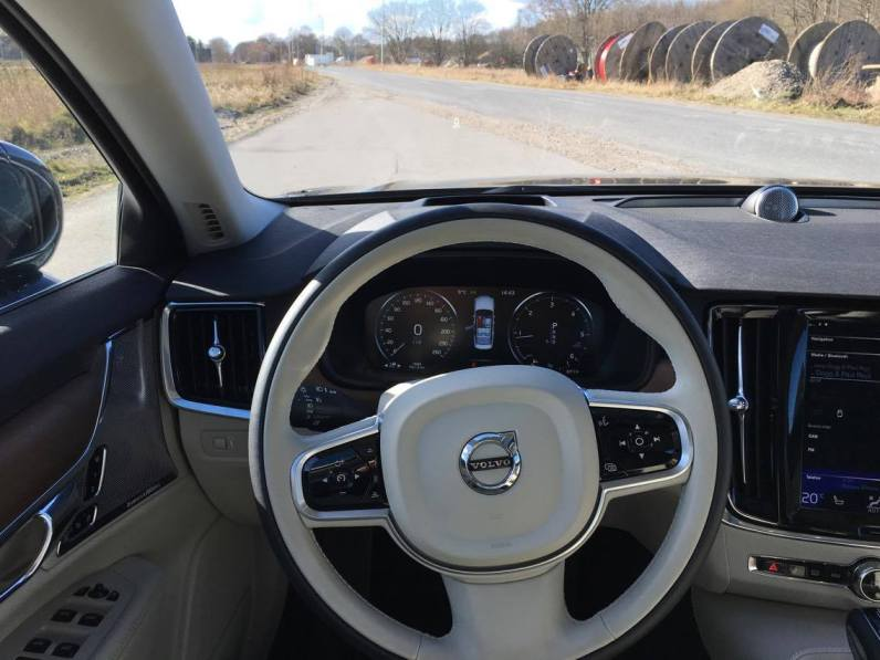 Volvo S90 Steering wheel