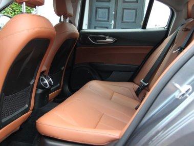 Alfa Romeo Giulia - Bagsæde
