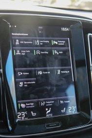 Volvo_XC40_26