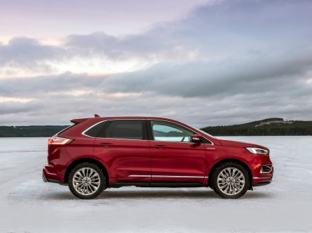 2018_FORD_EDGE_VIGNALE_RUBY_RED__021