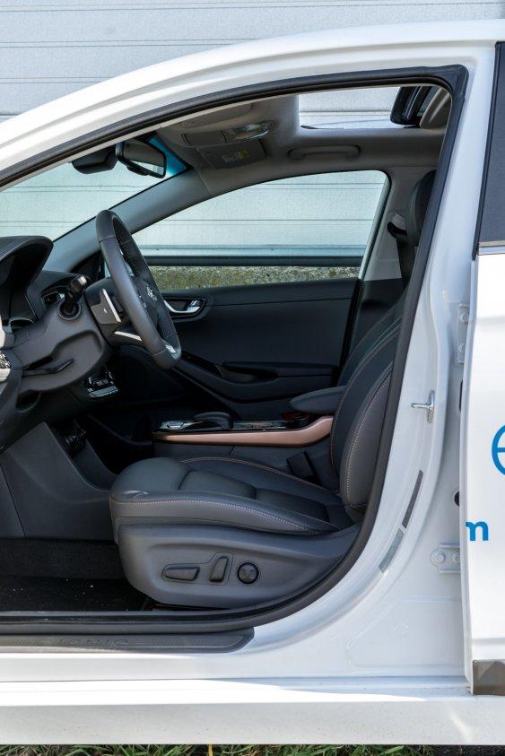 Hyundai_IONIQ_electric (16)