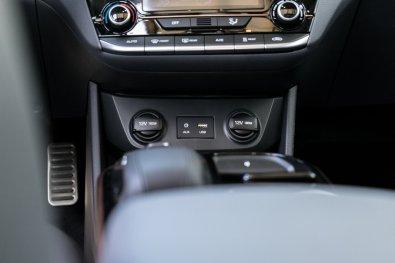 Hyundai_IONIQ_electric (28)