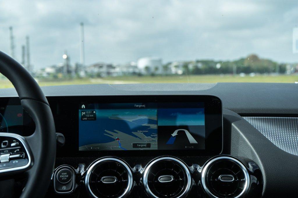 Mercedes-Benz B 180 navigationssystem