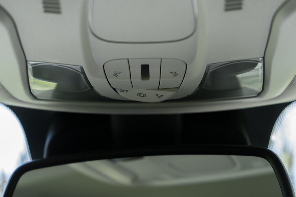 Jeep Renegade lys