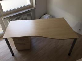 Schreibtisch Buche in Trapezform mit Rollcontainer in ...