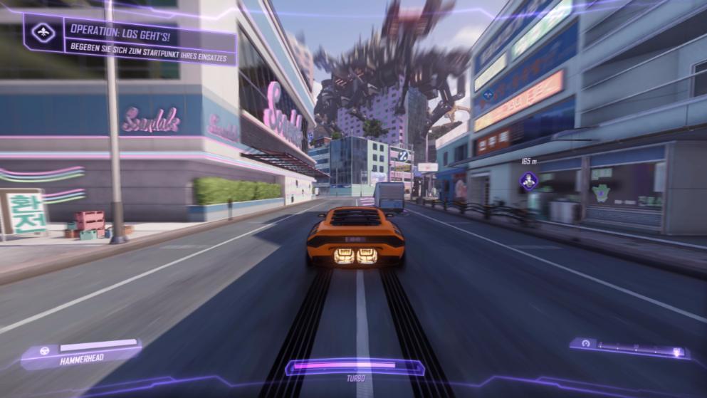 Die sprechenden Autos der Spione verfügen selbstredend über zuschaltbaren Turbo-Antrieb