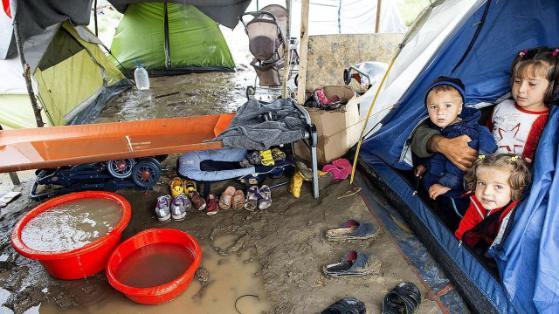 Kinder im Flüchtlingscamp in Idomeni