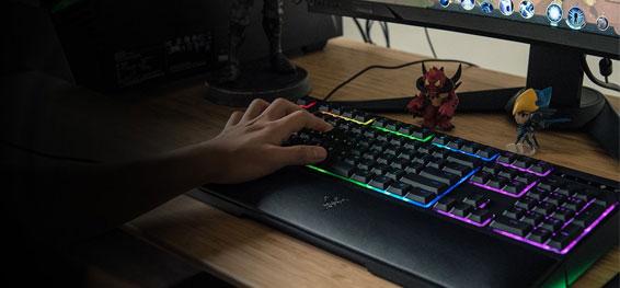 details zu razer ornata chroma gaming keyboard tastatur mit handballenauflage anti ghosting