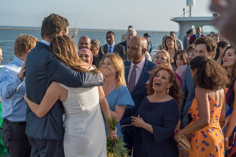 Grey S Anatomy S14e24 Drei Hochzeiten All Of Me Fernsehserien De