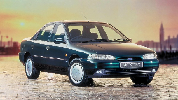 The chic of the early nineties: the first Ford Mondeo hit the market in 1993.  (Source: manufacturer)
