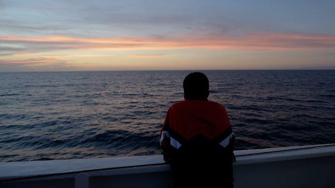 Der 16-jährige Amsa überlebte 2013 das Bootsunglück von Lampedusa - Hunderte andere wurden unter Deck eingeschlossen und starben.