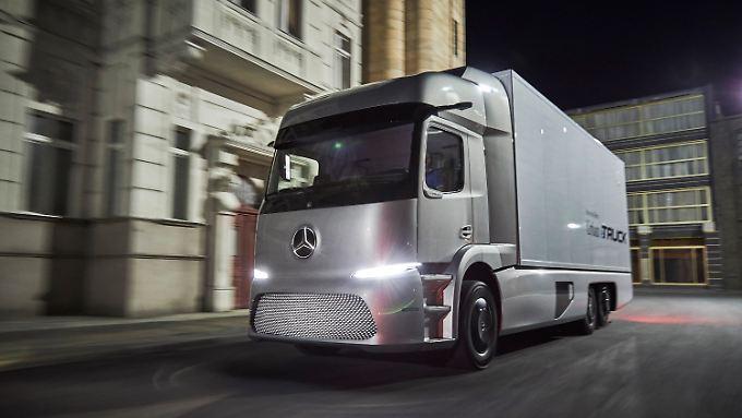 Der Mercedes Benz Urban eTruck feiert auf der Nutzfahrzeug-IAA seine Weltpremiere.