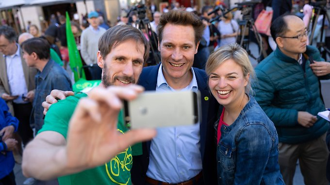 A selfie with the Bavarian top candidates of the Greens: Ludwig Hartmann (middle) and Katharina Schulze.