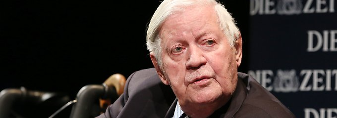 Helmut Schmidt schließt sich der Kritik Altkanzler Schröders an der westlichen Ukraine-Politik an.