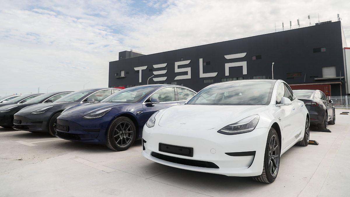 Umweltbundsamt verhängt Strafe: Millionen-Bußgeld gegen Tesla verhängt