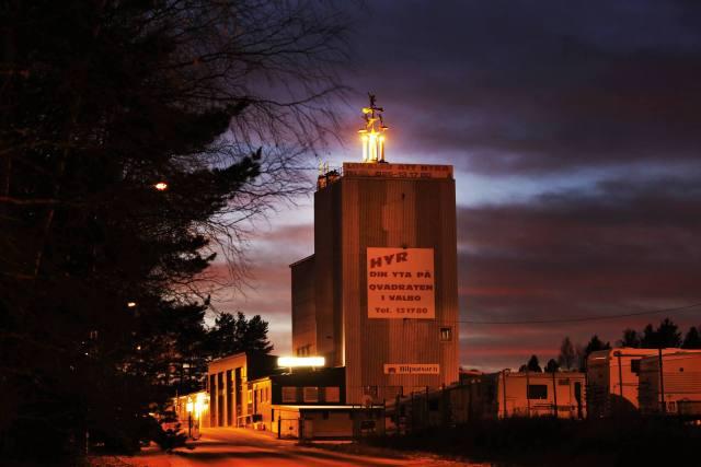 Industrifastigheten i Valbo dit världens största änglaspel numera flyttat kallas för
