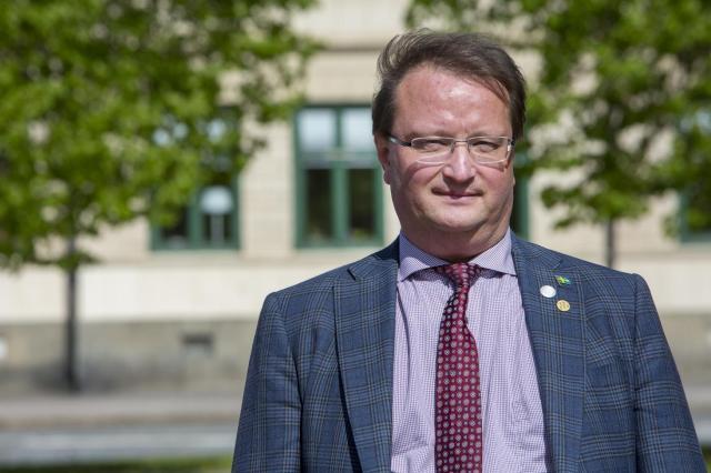 Lars Beckman (M) planerar att fortsätta driva frågan i riksdagen.