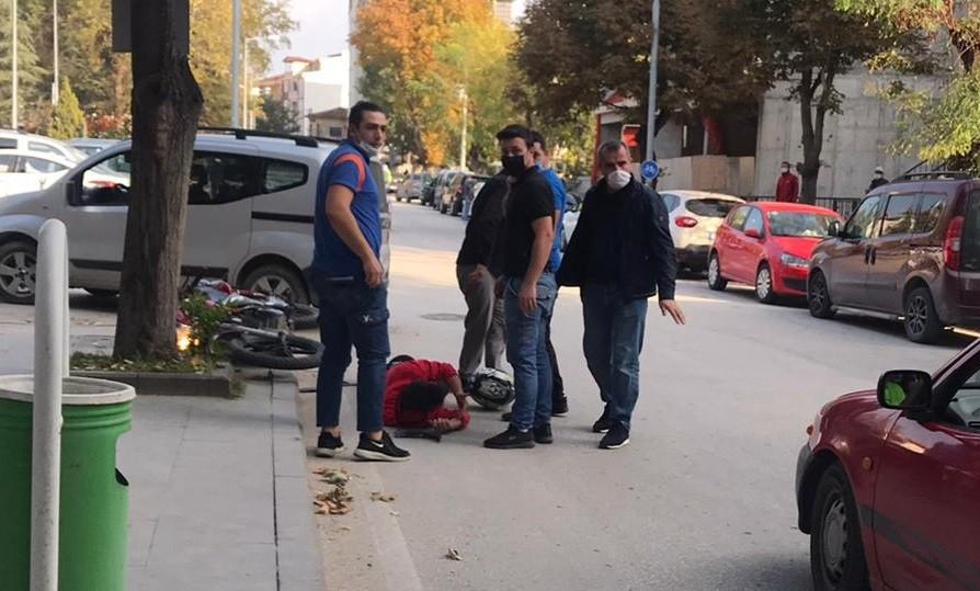 Bilecik'te hafif ticari araç ile motosikletin çarpıştı, 1 kişi yaralandı
