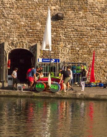Gavaroche - the dog's boat