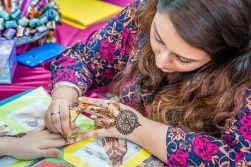henna-painting-little-india-singapore