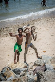 kids-showing-off-seaside-port-moresby-papua-new-guinea