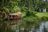 tour-boat-alleppey-vembanad-lake-backwaters-kochi-india