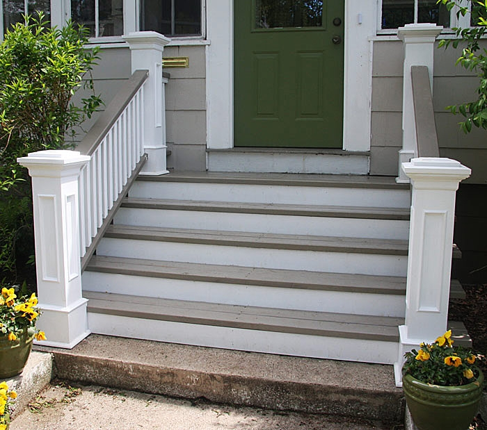 Front Steps Railings And Newel Posts « Edgewater Woodwork | Handrails For Front Steps | Small House | Granite | Easy | Cast Iron | Wrought Iron