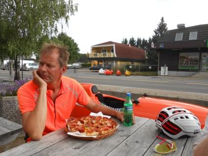 Halfdan første dag og pizza