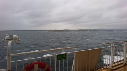 Færgen sejler ud af Larvik Havn (1)