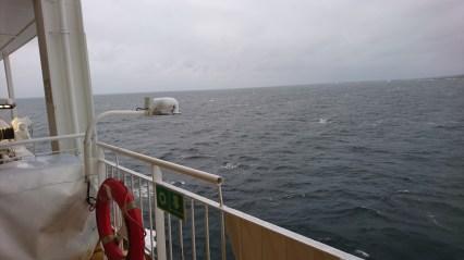 Færgen sejler ud af Larvik Havn (2)