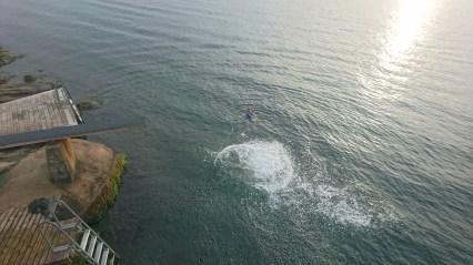 Halfdan og Steffen i vandet i Fjällbacka