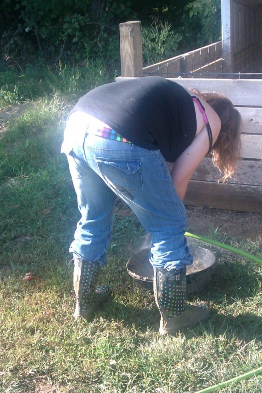 Kayla shows off her bottom