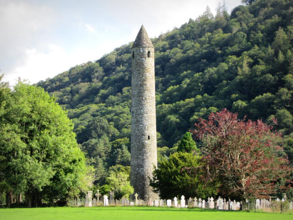 Glendalough Round Tower (Wicklow)