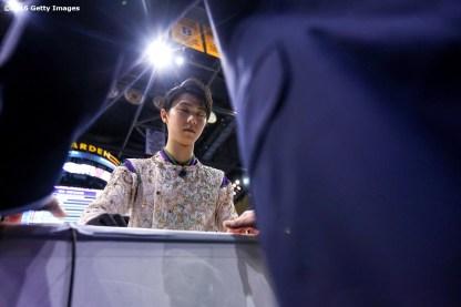 BOSTON, MA - APRIL 1: Yuzuru Hanzu of Japan meets with coach Brian Orser before competing during Day 5 of the ISU World Figure Skating Championships 2016 at TD Garden on April 1, 2016 in Boston, Massachusetts. (Photo by Billie Weiss - ISU/ISU via Getty Images) *** Local Caption *** Yuzuru Hanzu