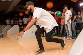 August 17, 2017, Boston, MA: Boston Red Sox left fielder Chris Young bowls during the Mookie's Big League Bowl for Pitching In For Kids event at Lucky Strike Lanes in Boston, Massachusetts Thursday, August 17, 2017. (Photo by Billie Weiss/Boston Red Sox)