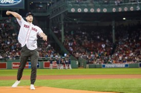 BOSTON, MA - SEPTEMBER 28: Gordon Heyward of the Boston Celtics throws out a ceremonial first pitch before a game between the Boston Red Sox and the Houston Astros on September 28, 2017 at Fenway Park in Boston, Massachusetts. (Photo by Billie Weiss/Boston Red Sox/Getty Images) *** Local Caption *** Gordon Heyward
