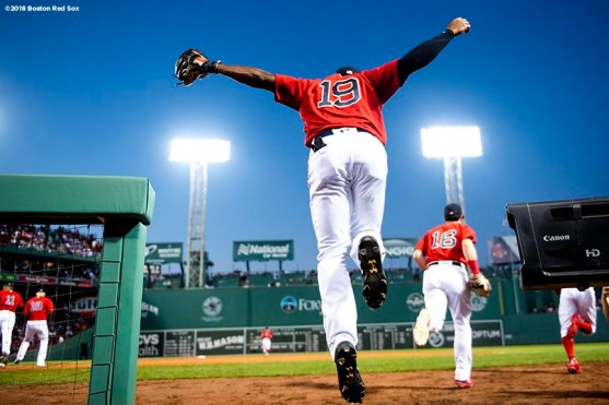 BOSTON, MA - SEPTEMBER 14: Jackie Bradley Jr. #19 of the Boston Red Sox leaps out of the dugout before a game against the New York Mets on September 14, 2018 at Fenway Park in Boston, Massachusetts. (Photo by Billie Weiss/Boston Red Sox/Getty Images) *** Local Caption *** Jackie Bradley Jr.
