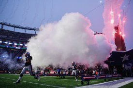 FOXBOROUGH, MA - DECEMBER 02: The New England Patriots run onto the field before the game against the Minnesota Vikings at Gillette Stadium on December 2, 2018 in Foxborough, Massachusetts. (Photo by Billie Weiss/Getty Images)