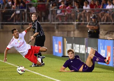 EAST HARTFORD, CT - JULY 24: André Almeida #34 of SL Benfica is tackled by Marcos Alonso #28 of ACF Fiorentina during the first half of an International Champions Cup 2015 match at Rentschler Field on July 24, 2015 in East Hartford, Connecticut. (Photo by Billie Weiss/Getty Images) *** Local Caption *** André Almedia;Marcos Alonso