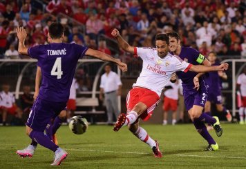 EAST HARTFORD, CT - JULY 24: Jonas Goncalves Oliveira #17 of SL Benfica takes a shot on goal during the second half of an International Champions Cup 2015 match against ACF Fiorentina at Rentschler Field on July 24, 2015 in East Hartford, Connecticut. (Photo by Billie Weiss/Getty Images) *** Local Caption *** Jonas Goncalves Oliveira