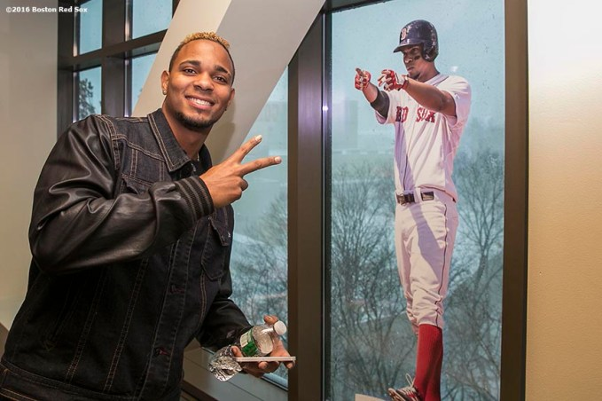 """""""Boston Red Sox shortstop Xander Bogaerts poses with a photo of himself during the 2016 Winter Weekend at Foxwoods Resort & Casino in Ledyard, Connecticut Saturday, January 23, 2016."""""""