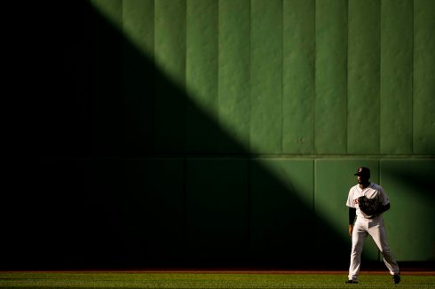 BOSTON, MA - JULY 15: Jackie Bradley Jr. #19 of the Boston Red Sox gets set in center field during the eighth inning of a game against the New York Yankees on July 15, 2017 at Fenway Park in Boston, Massachusetts. (Photo by Billie Weiss/Boston Red Sox/Getty Images) *** Local Caption *** Jackie Bradley Jr.