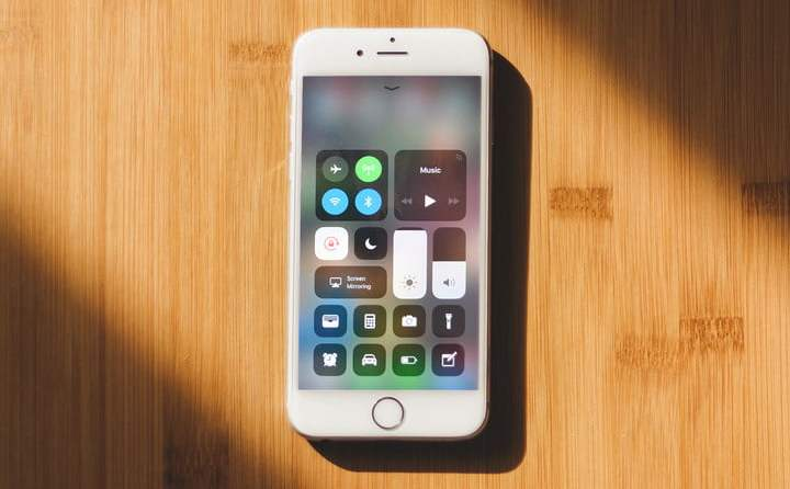 fix app crashes on jailbroken iPhones
